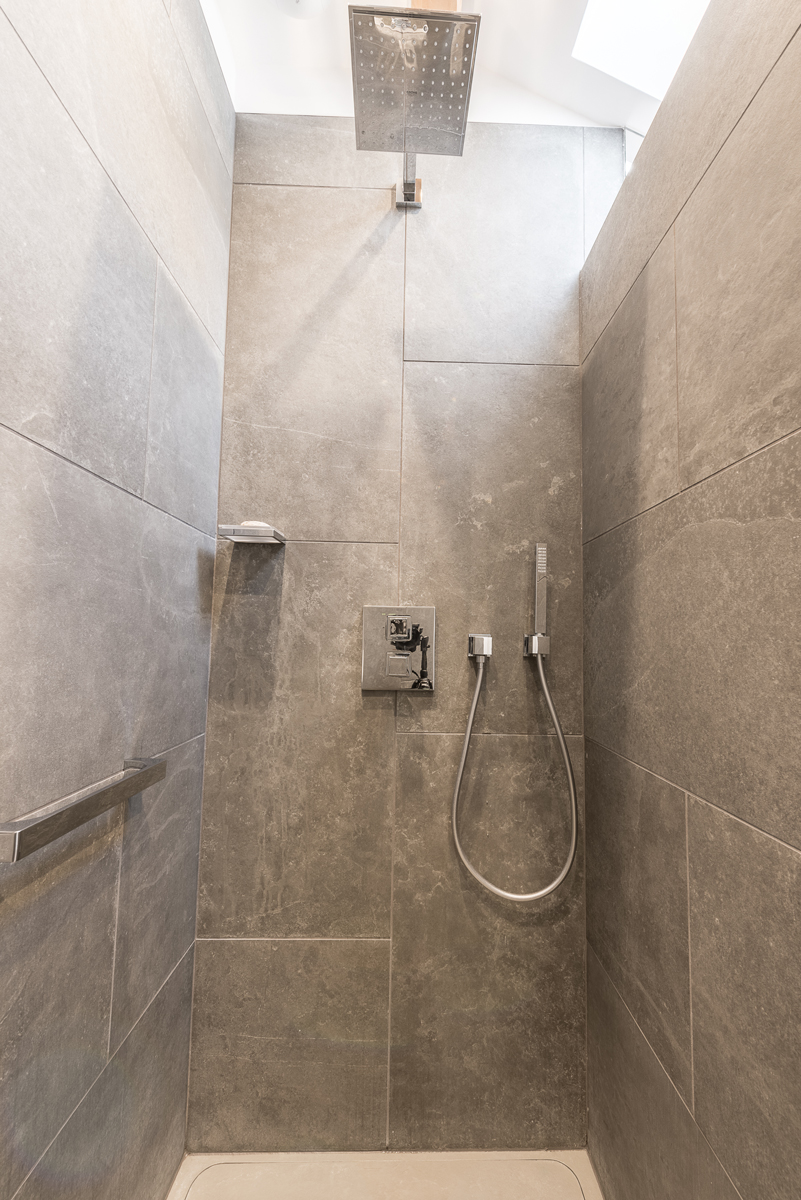 Douche avec robinetterie