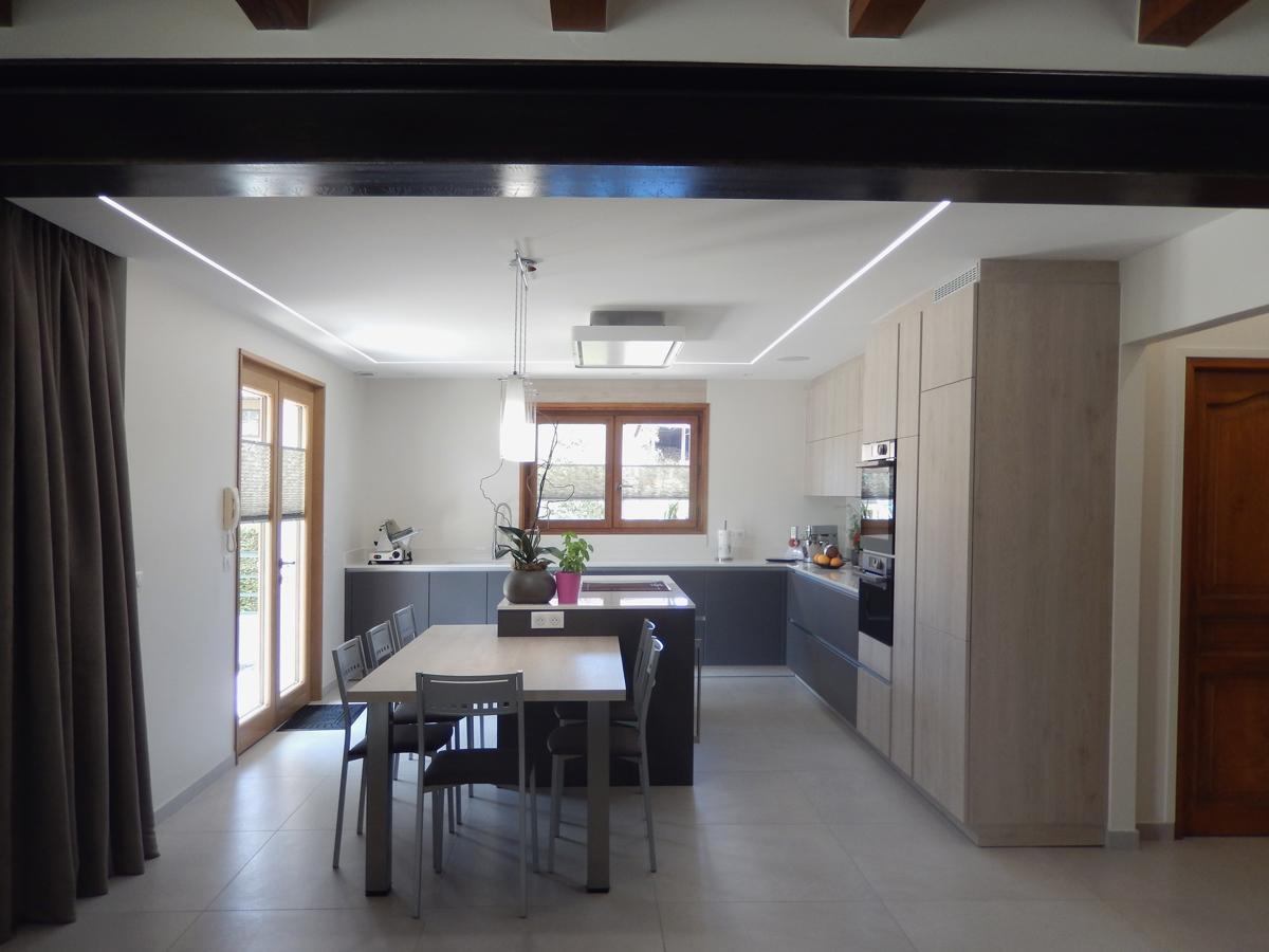 vue de l'ouverture vers la cuisine.