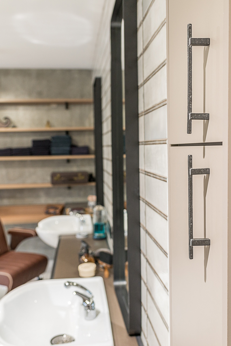 barbier-detail-placard-miroirs