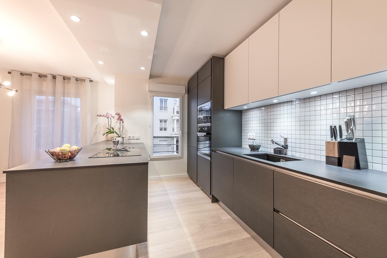cuisine-ouverte-faux-plafond